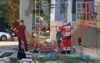 Пожилой мужчина выпрыгнул из окна киевской больницы