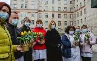 Посол Нидерландов сделал приятный подарок украинским врачам