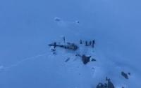 Столкнулись самолет и вертолет, есть жертвы