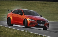 Jaguar представил самый мощный автомобиль (видео)