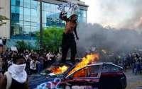 Бывший советник президента США считает, что протесты в стране проходят по