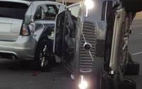 Uber приостанавливает испытания беспилотных авто из-за аварии