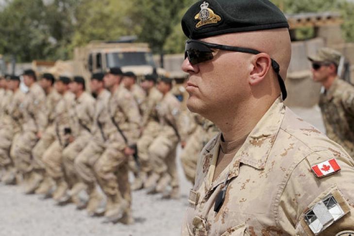 Канада отзывает военных изПольши