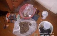 На Ровенщине разоблачен мини-цех по переработке янтаря
