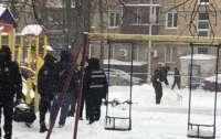 На детской площадке от взрыва погиб мужчина