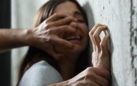 В Запорожье пациентку больницы изнасиловали на перекуре