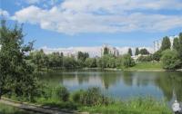Труп утопленника два дня проплавал в киевском озере