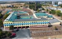 В Донецкой области приостановили работу 10 школ (видео)