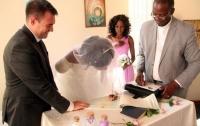 Крокодил откусил невесте руку за два дня до свадьбы