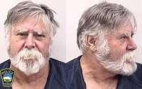 Американец ограбил банк и разбросал деньги по улице