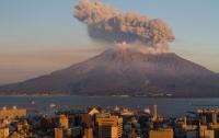 В Японии проснулся вулкан Симмоэ (видео)