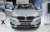 Гибридный кроссовер BMW X5 xDrive40e получил улучшенную батарею (ФОТО)