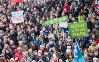 В Германии произошли столкновения между ксенофобами и их противниками