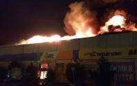 В Полтаве горели автостанция и рынок (видео)