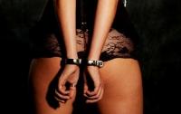 В ОАЭ жертву изнасилования посадили за прелюбодеяние