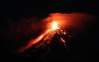 Слезы и тысячи бездомных: шокирующие снимки извержения вулкана