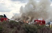 Власти назвали причину крушения пассажирского самолета в Мексике