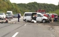 Жуткое ДТП на Виннитчине: два человека погибли, водитель в реанимации