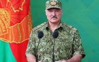 Лукашенко поручил отвести войска от западной границы Беларуси