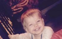 Маленький ребенок умер после падения в кипяток