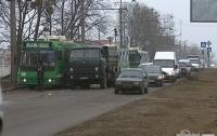 В Харькове грузовик врезался в троллейбус с пассажирами