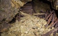 Из-за оползня на руднике погибли более 30 человек