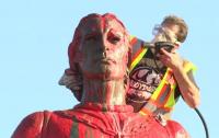 Вандалы испортили статуи Христофора Колумба в США