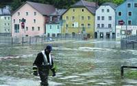 Немецкие дамбы начинают рушиться от наводнения рек