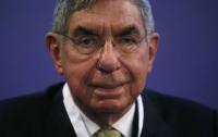 Лауреата Нобелевской премии мира обвинили в похабном поведении