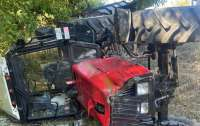 Под Одессой перевернулся трактор с детьми: есть жертвы, тракторист сбежал