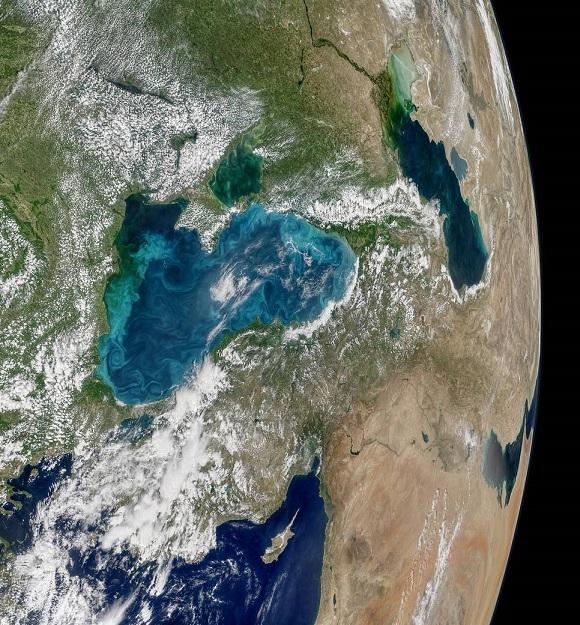 Черное море поменяло собственный цвет— сейчас оно бирюзовое