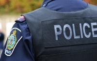 В США полицейский застрелил заложницу