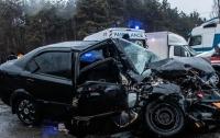 Столкнулись лоб в лоб: в Киеве произошло жуткое ДТП