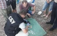 Продавал психотропы: в Черниговской области СБУ задержала военного