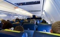 Самолет совершил экстренную посадку после попытки захвата