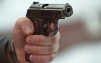 Пьяный депутат устроил стрельбу в бане