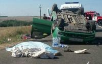 На Донбассе два человека погибли из-за лопнувшего колеса