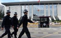 Мужчина с отверткой убил человека в университете в Китае