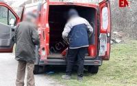 В Запорожье на обочине обнаружили труп женщины