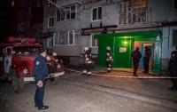 Взрыв в многоэтажке Днепра: пострадала женщина-полицейский