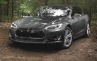 Tesla представила две дешевые версии электромобиля Model S