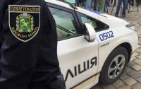 Под Харьковом мужчина на улице бросался топором