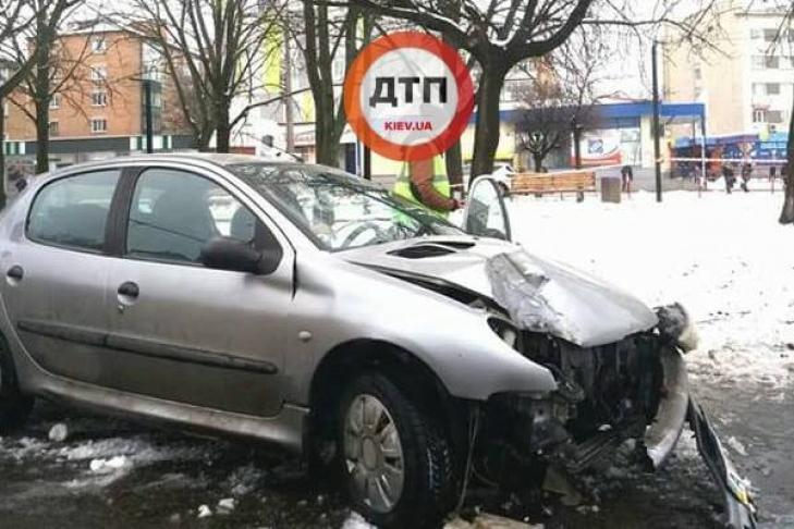Двоих пешеходов на переходе сбила машина в Белой Церкви