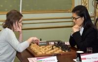 Китаянка выиграла партию матча у украинки за звание ЧМ по шахматам