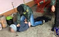 На Закарпатье задержали пограничника при получении взятки