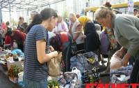 В киевских супермаркетах и фаст-фудах всегда есть бесплатная еда (ФОТО)