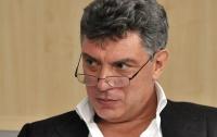 Возле российского посольства в Киеве открыли мемориал Немцову