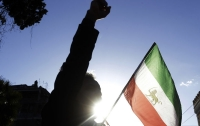 Трамп пообещал огромную поддержку протестующим в Иране
