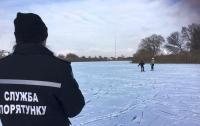 13-летний подросток спас трех друзей, провалившихся под лед