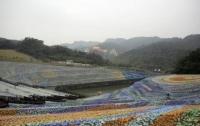 Картину Ван Гога из пластиковых бутылок представили на Тайване